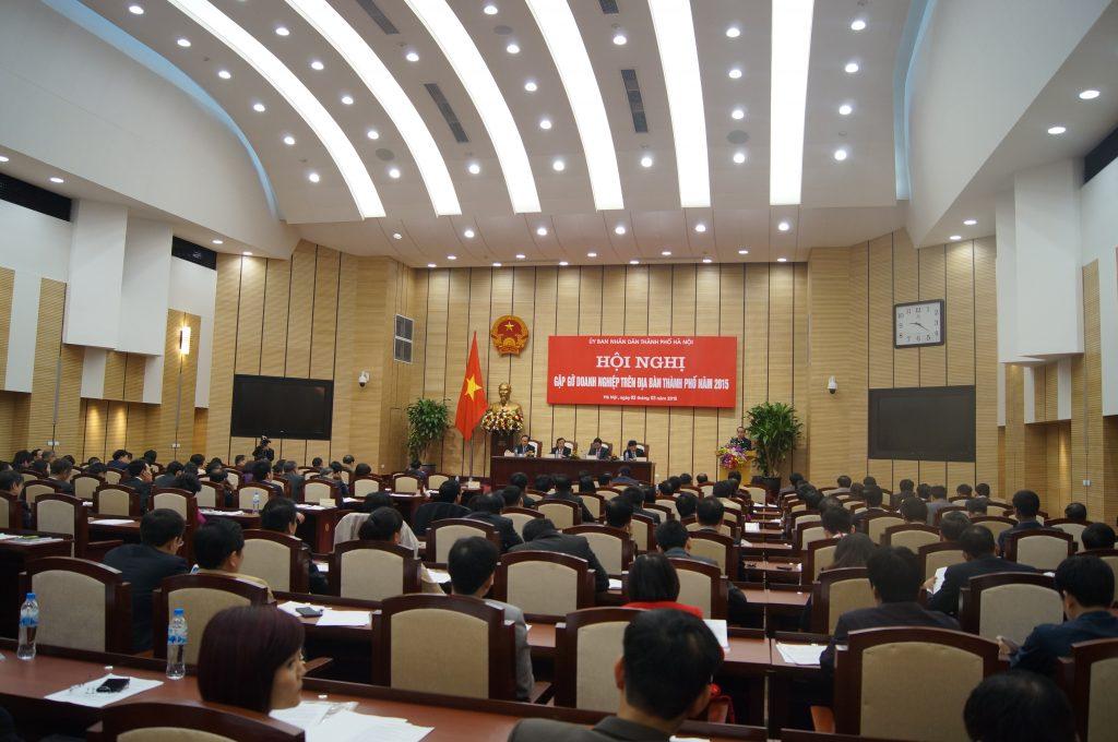 GS.TS Đinh Văn Thuận – Chủ tịch HĐTV Tập đoàn Polyco nhận cờ Đơn vị xuất sắc phong trào thi đua năm 2014 2