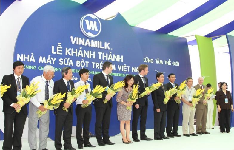 Lễ khánh thành nhà máy sữa bột Việt NAm
