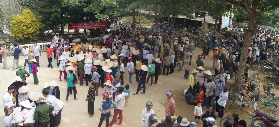 POLYCO sẻ chia cùng đồng bào bão lụt tại Nghệ An và Hà Tĩnh 2