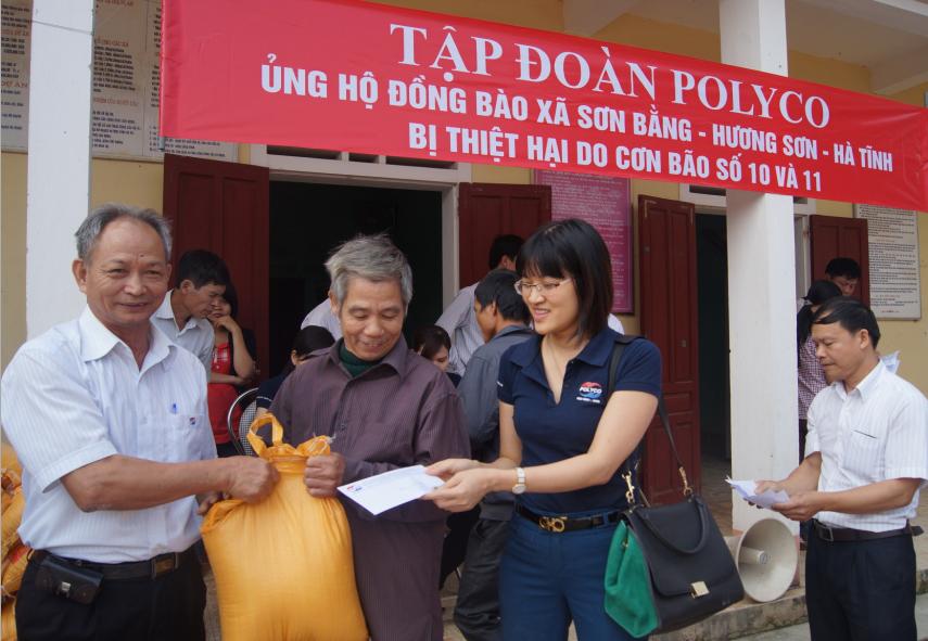 POLYCO sẻ chia cùng đồng bào bão lụt tại Nghệ An và Hà Tĩnh