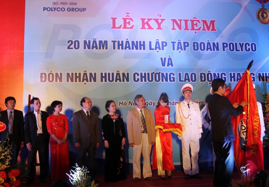 Tập đoàn POLYCO đón nhận Huân chương Lao động hạng Nhất 2